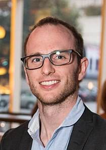 Joe Gebbia, 2012 (cropped).jpg