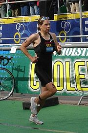Joelle Franzmann beim Triathlon in Hamburg, 2005