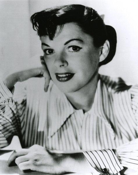 Judygarland astarisborn warnerbros publicitystill 19542