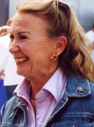 Actress Juliet Mills in 2004.