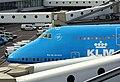 KLM Boeing 747-400 PH-BFR nose section (6925368500).jpg