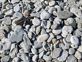 Varpa - Flat limestones from Gotland's beaches, tumbled and rounded by the sea are the original varpa stones used in the game