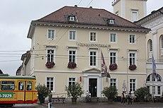 Karlsruhe, das Weinbrennerhaus.JPG