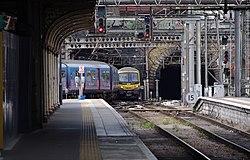 King's Cross railway station MMB 89 317342 365501.jpg