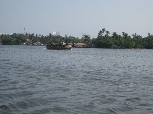 Kollam-Dalavapuram boat service
