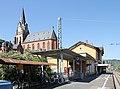 Kulturdenkmäler in Oberwesel, Bahnhof und Liebfrauenkirche.jpg