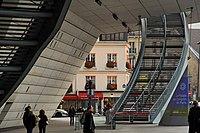 L'escalier du Palais des Congrés à Paris