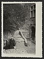 La fontaine de Saboury et la maison Vongeheur vers l'année 1900 (34585348901).jpg