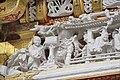 La porte Kara-mon du sanctuaire shinto Toshogu de Nikko (Japon (42534316844).jpg