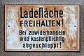 Ladezone, Bischoffgasse, Vienna.jpg
