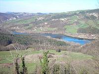 Il lago di Trebecco formato dal Tidone, al confine tra Oltrepò e Emilia-Romagna.