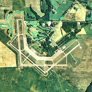 Courtland Airport - NAIP aerial image, 29 June 2006
