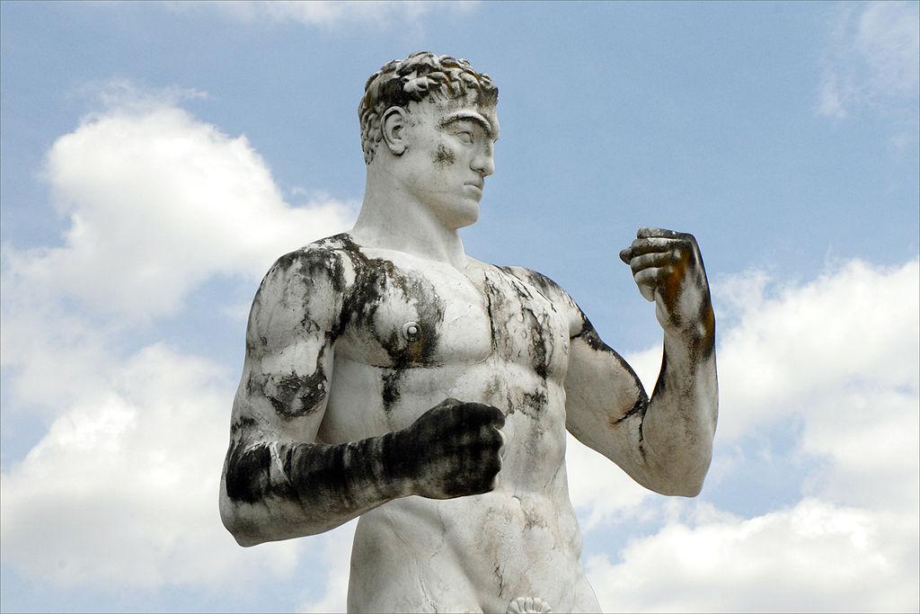 Statue du stade des marbres au Foro Italico à Rome. Photo de Jean Pierre Dalbéra.