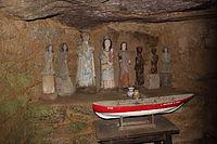 Le Vieux-Marché, Dolmen de la Chapelle des Sept-Saints.JPG