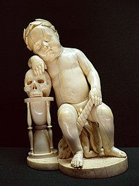 Enfant endormi ou Le Temps, statuette en ivoire réalisée par l'entourage de Leonhard Kern (v. 1650-1700, département des objets d'art du musée du Louvre). (définition réelle 2304×3072)