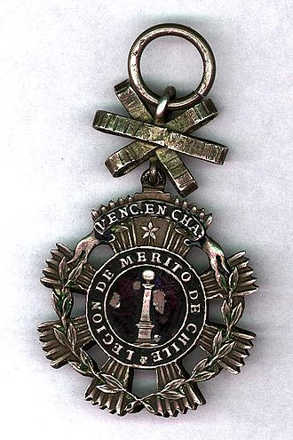 Orders, decorations, and medals of Chile - Obverse of the breast badge of the Legion of Merit of Chile, IV Class. This version of the badge was given to those who distinguished themselves in the Battle of Chacabuco, June 1817