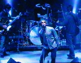 Oasis (band) - Oasis performing live at Shoreline Amphitheatre, Mountain View, California in September 2005.