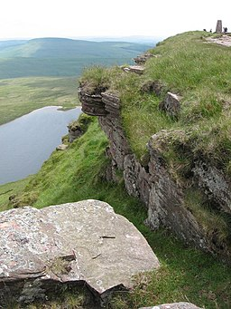 Llyn y Fan Fawr and summit of Fan Brycheiniog - geograph.org.uk - 1405125