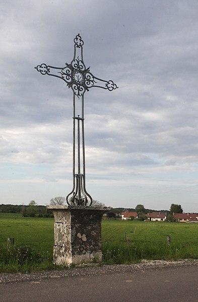 Croix à Mérey-sous-Montrond (Doubs).