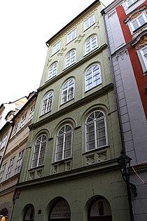 Městský dům U Panny Marie Pomocné (Staré Město) Karlova 38.jpg