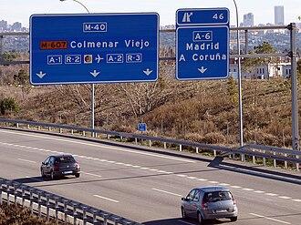 Transport in Madrid - M-40 kilometer 46