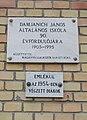 Madách u.-i iskola, emléktáblák, 2019 Isaszeg.jpg