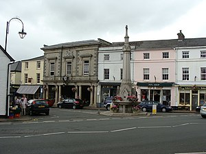 Crickhowell - Image: Main A road junction in the town centre geograph.org.uk 1395444