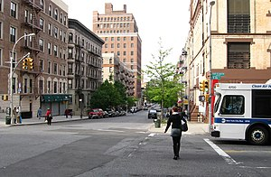 Manhattan Avenue (Manhattan) - Manhattan Avenue and 106th Street, looking north.