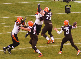 Johnny Manziel - Manziel throwing against the Cincinnati Bengals in 2014