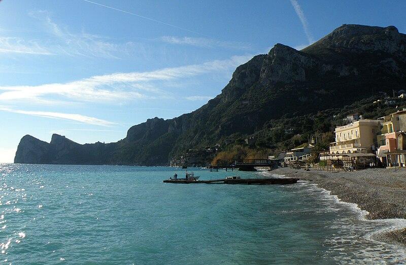 File:Marina del Cantone.jpg
