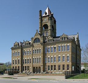 Marion County, Iowa Courthouse.jpg