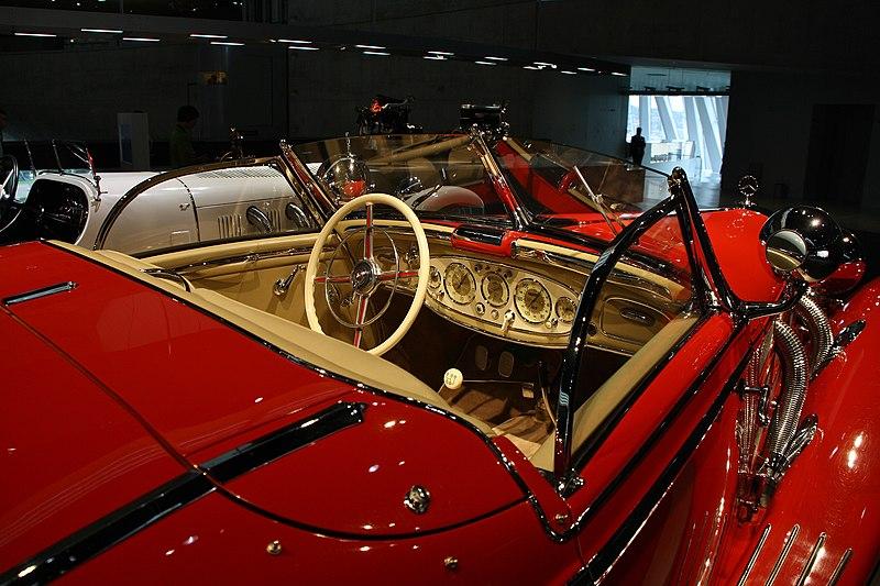 Mercedes-Benz 500K salon.jpg