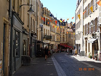 Metz, street in old city.jpg