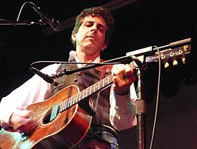 Michael Penn performing in 2007.jpg