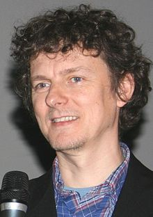 https://upload.wikimedia.org/wikipedia/commons/thumb/d/d1/Michel_Gondry_%283%29.jpg/220px-Michel_Gondry_%283%29.jpg