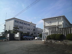 Mie Prefecture Ujiyamada High School 01.jpg