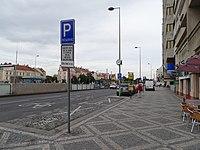 Milady Horákové, Hradčanská, stanoviště taxi (01).jpg