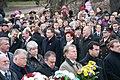 Ministru prezidents Valdis Dombrovskis piedalās ziedu nolikšanas ceremonijā pie Brīvības pieminekļa (6357981179).jpg
