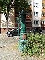 Moabit Waldstraße Historische Wasserpumpe-002.jpg