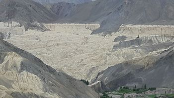 Moonland valley 1.jpg