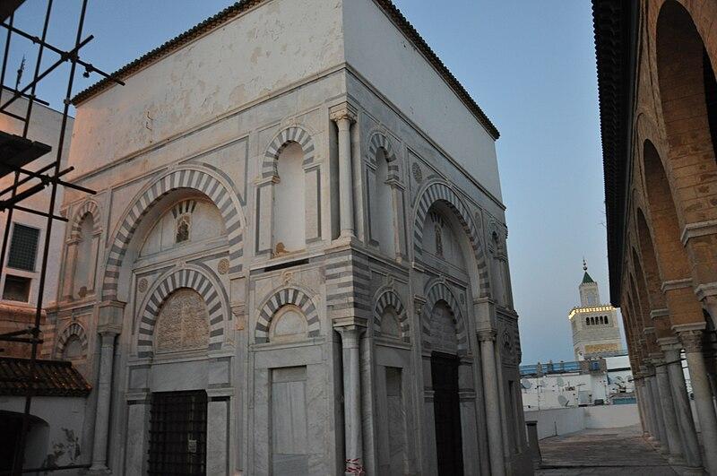 File:Mosquée Youssef-Dey 12.jpg