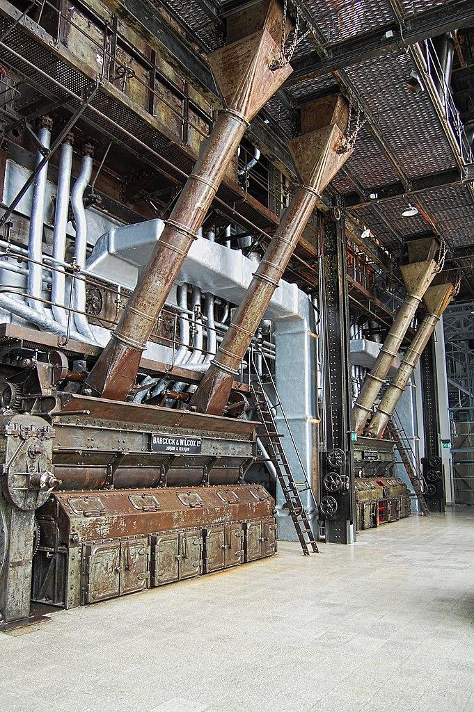 A l'intérieur de l'ancienne centrale électrique, aujourd'hui musée de l'électricité de Lisbonne. Photo de Juntas