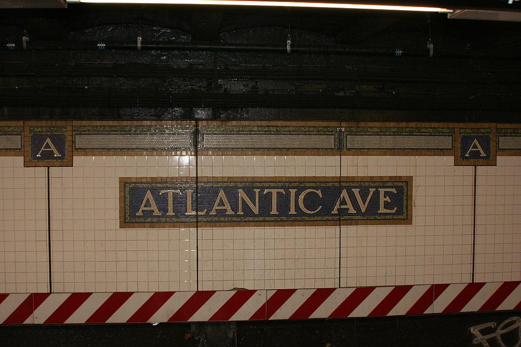 File:NYC Subway Atlantic Ave Station tile.jpg - Wikimedia Commons on new york avenue monopoly, new york avenue cape may, new york avenue washington dc, boardwalk atlantic city,