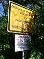 Na Cikánce, výstražné tabule před lomem Špička.jpg