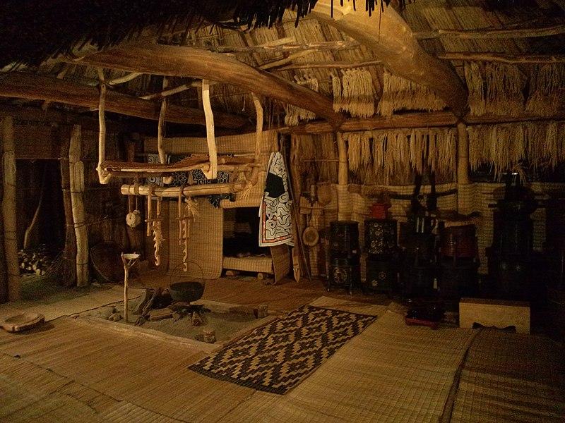 National Museum of Ethnology, Osaka - Interior of the house of Ainu - Saru River basin, Hokkaid%C3%B4.jpg
