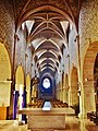 Nef de l'église, vue du chœur.jpg