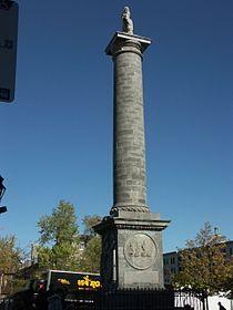 Nelson Column, Montreal 2005-10-21.JPG