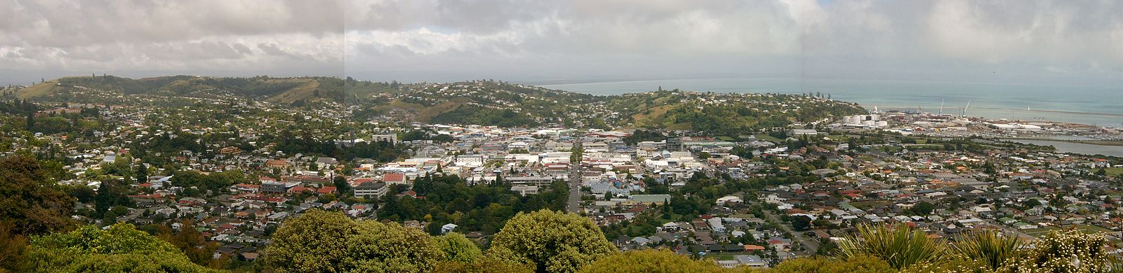 A panorama of Nelson City from the Centre of New Zealand monument Nelsoncity.jpg