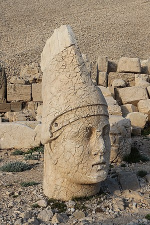 Antiochus I Theos of Commagene - Head of Antiochus atop Mount Nemrut