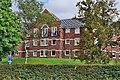"New high-density ""executive housing"" on the outskirts of Blackburn - geograph.org.uk - 46126.jpg"